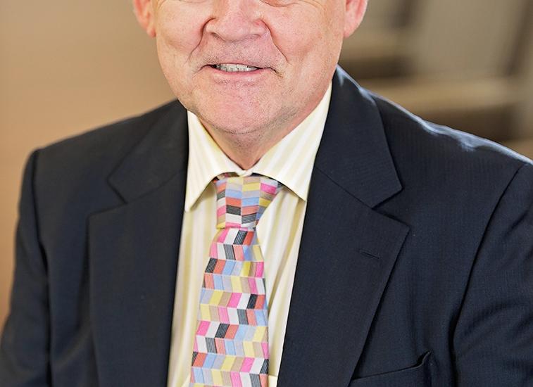 Dennis_Chamberlain
